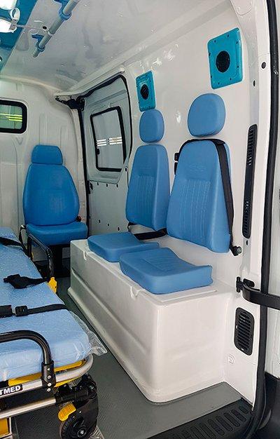 ambulancia mercedes com revestimento em fibra